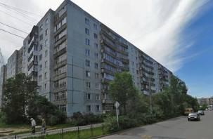 В Смоленске в подъезде обнаружены два трупа