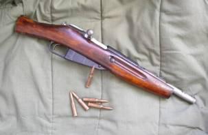 Смоленская полиция изъяла у мужчины самодельное оружие и патроны