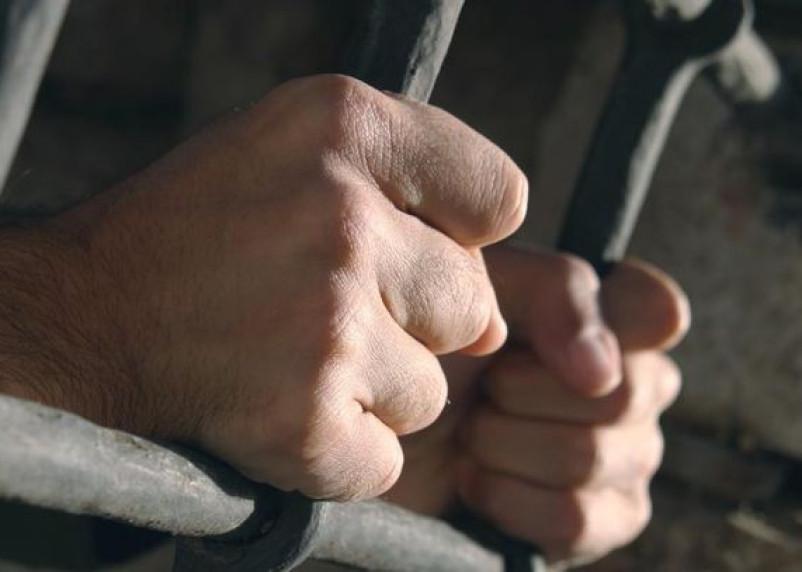 Троих сафоновских заключенных осудят за бунт