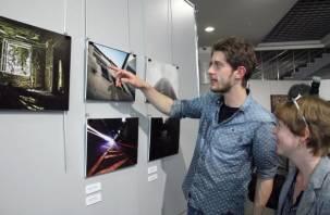 В Смоленске открылась выставка «Молодое искусство. Смоленск-Хаген». Фото