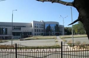 На территории ФОК «Юбилейный» в Смоленске оборудуют платный паркинг