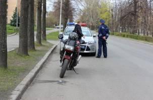 В Смоленске пьяный мотоциклист без прав пытался скрыться от полиции