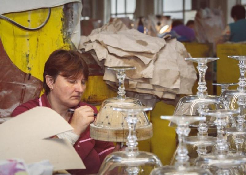 На Смоленщие обанкротился стекольный завод
