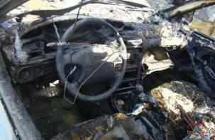 Две иномарки горели сегодня ночью в Смоленске