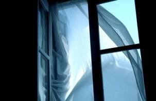 В Десногорске женщина выпрыгнула из окна