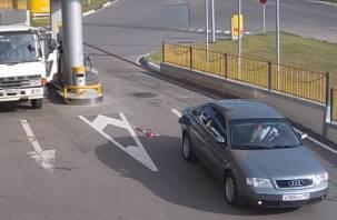 В Смоленске водитель уехал с заправки вместе с пистолетом