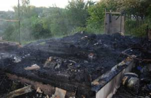 В Рославльском районе сгорела дача