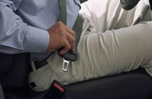Непристегнутый пассажир оказался преступником