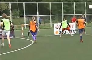 Смоленские школьники и студенты играли в мини-футбол