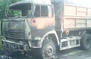 В Смоленске продолжают гореть машины. На этот раз – МАЗ
