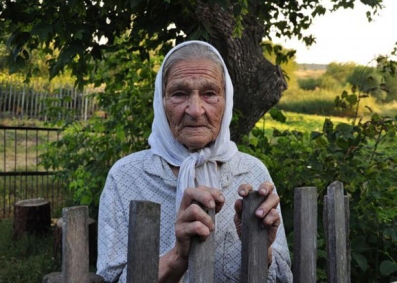 Смоленская пенсионерка не хотела расставаться с забором, за что поплатилась штрафом