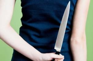 Пьяная смолянка угрожала ножом полицейскому