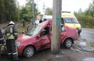 В Дорогобуже водитель погиб, влетев в столб