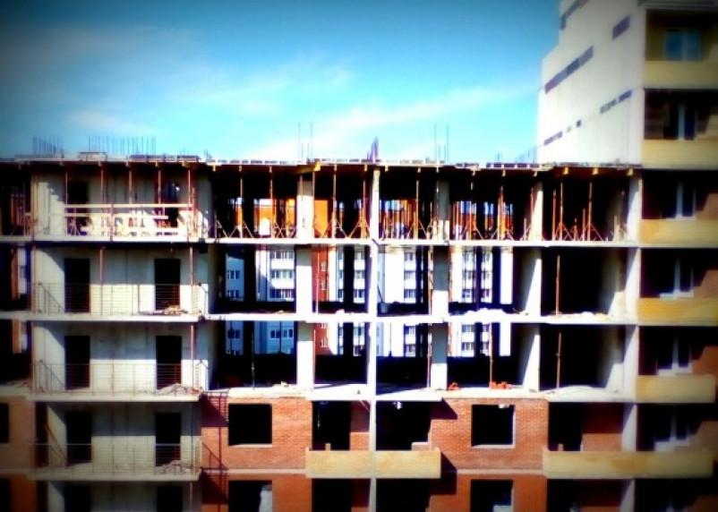 В Смоленске пошатнулась крупная строительная компания