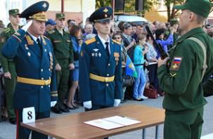 Первокурсники Смоленской академии ПВО приняли присягу