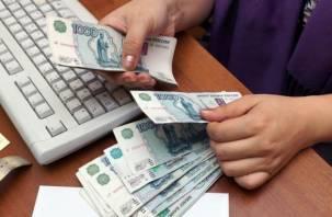 Смоленским рабочим двух предприятий погасили задолженность по зарплате