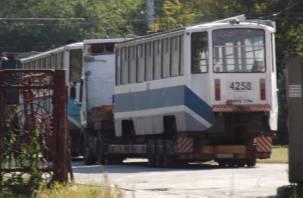 Подержанные московские трамваи прибыли в столицу Сибири