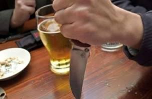Житель Ярцева жестоко расправился с пожилой парой кухонным ножом