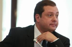 Губернатора Островского поставят на вид за административный ресурс