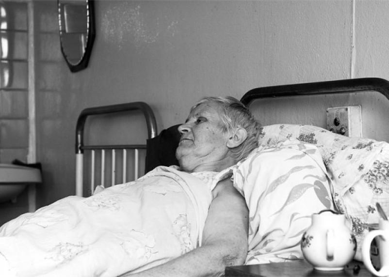 Пенсионерка из Рославльского района лишилась всех денег, пока лечилась в больнице