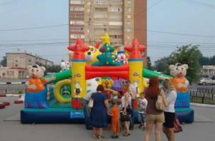 Два уголовных дела заведены на владельца опасных детских батутов в Смоленске