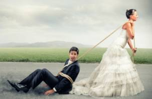 В Смоленске стали меньше жениться и больше рожать