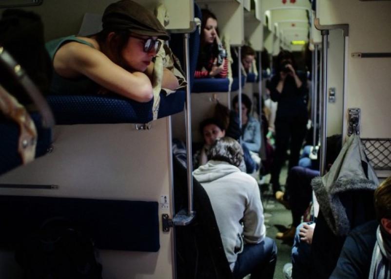 Житель Воронежа ограбил спящего пассажира в смоленском поезде