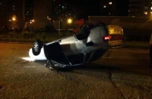 В Смоленске машина на скорости перевернулась на крышу
