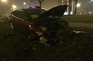 На Смоленщине в ДТП пострадал мужчина, съехав на авто в кювет