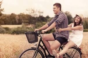 Смоленские парни арендовали велосипеды для своих девушек и продали их