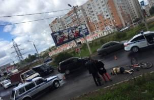 На проспекте Строителей велосипедист попал под колеса автомобиля