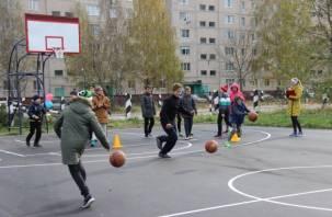 В Десногорскен появилась новая баскетбольная площадка