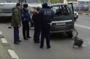 В Саратове в серьезное ДТП попал смоленский микроавтобус