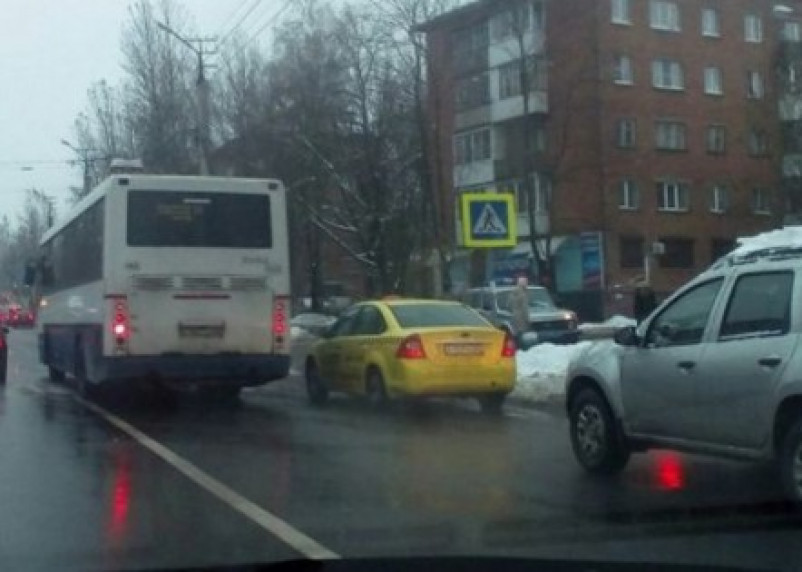 В Смоленске на переходе сбили женщину