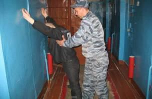 22 литра алкоголя и наркотики были изъяты у смоленских заключенных