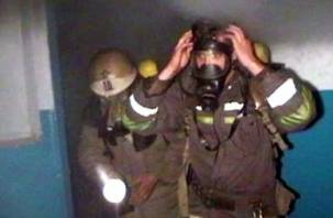 Под Смоленском из горящей квартиры эвакуировали людей