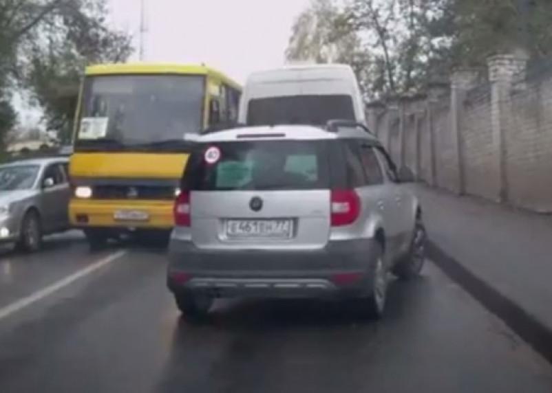 В Смоленске у пассажирского автобуса отказали тормоза?