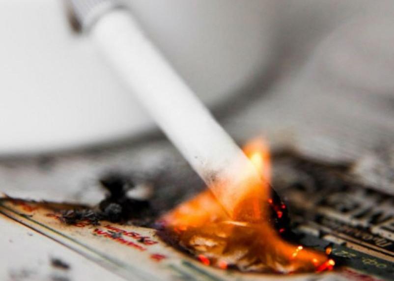 Непотушенная сигарета едва не обернулась трагедией для смолянина