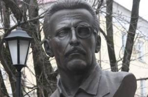 Очки Бориса Васильева отправились на реставрацию