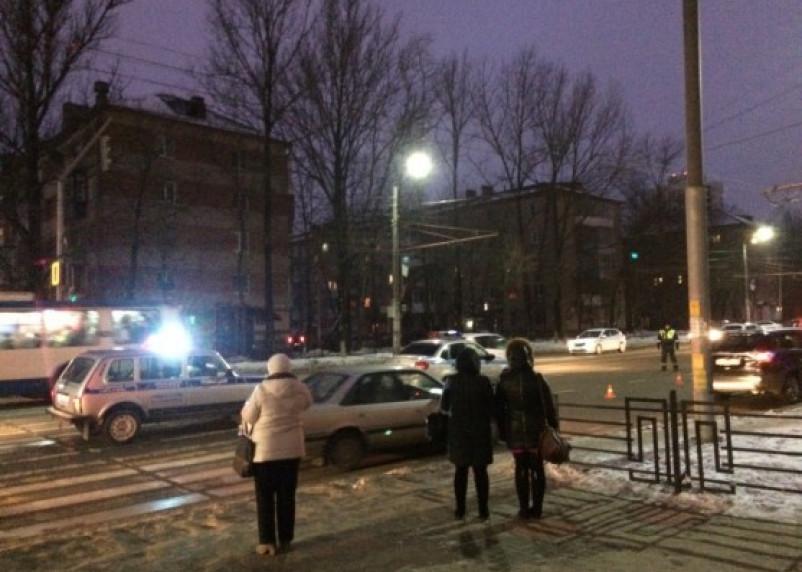 В Смоленске два пешехода попали под колеса автомобиля. Один погиб