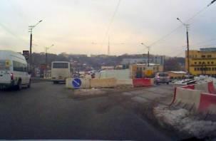 На Пятницком путепроводе в Смоленске вновь изменилась схема движения