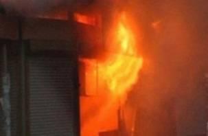 В центре Смоленска горел торговый павильон