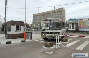 Смоленским водителям запретили останавливаться на улице Кашена