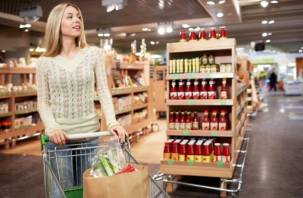 Жительница Сафонова пыталась украсть тележку с продуктами из магазина