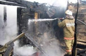 Несмотря на сырость, на Смоленщине горят постройки