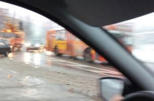 В Смоленске троллейбусы остановились в пробке