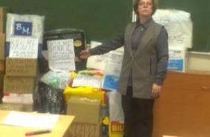 Москвичи отправили новогодние подарки для одиноких пожилых смолян