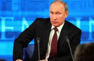 Путин призвал прекратить спекуляции об авиакатастрофе польского самолета в Смоленске