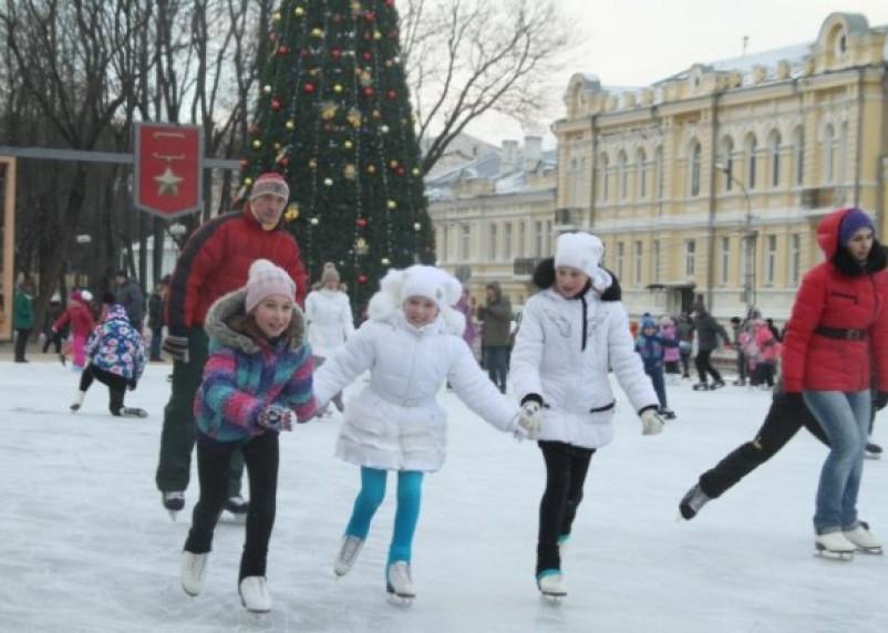 Каток на площади Ленина в субботу открывать не будут