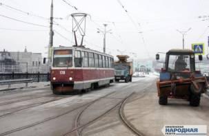 На Пятницком путепроводе появился трамвай. Фоторепортаж